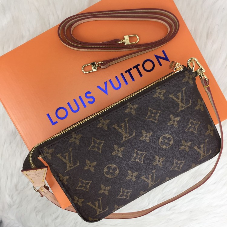 LOUİS VUİTTON POCHETTE ACCESSORİES CLASSİC