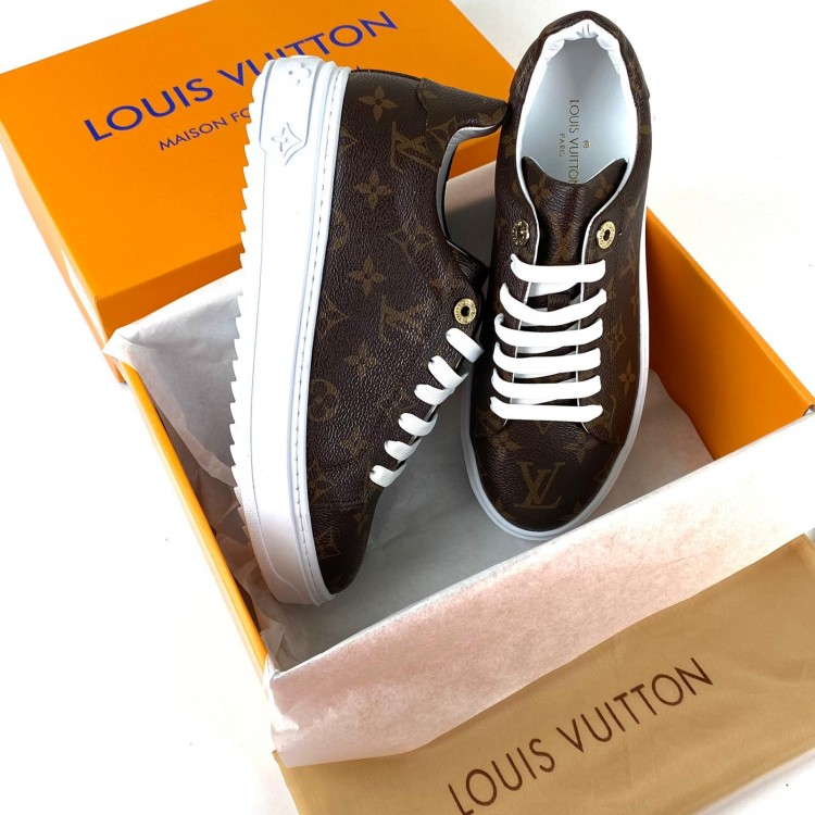 LOUİS VUİTTON TİME OUT MONOGRAM CLASSİC